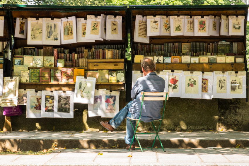 Selling Books and Art by the Seine